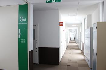 20150323.2号棟廊下工事3.JPG